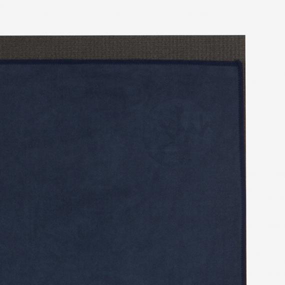 Velký jógový ručník Manduka eQua® Mat Towel Midnight
