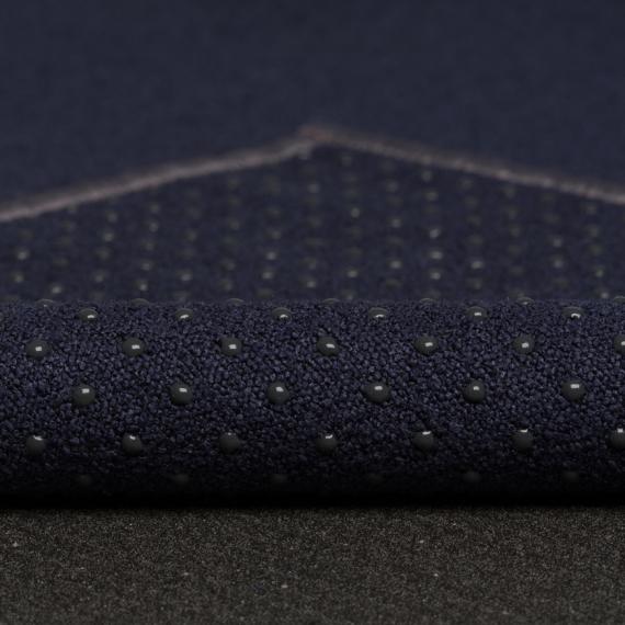 Velký ručník na jógu se silikononovými body Manduka yogitoes® Midnight
