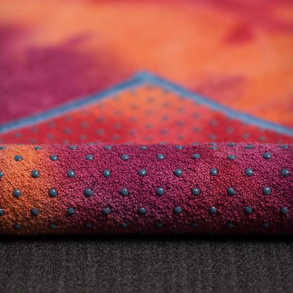 Velký ručník na jógu se silikononovými body Manduka yogitoes® Groovy La Rampa