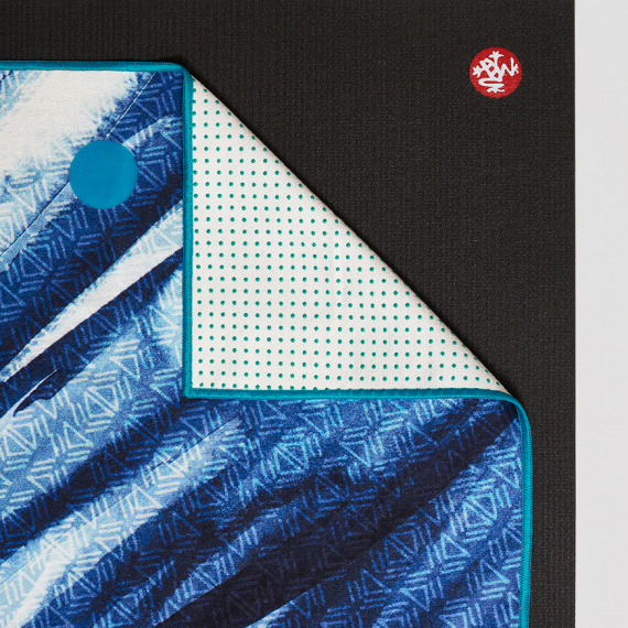 Velký ručník na jógu se silikononovými body Manduka yogitoes® Serene