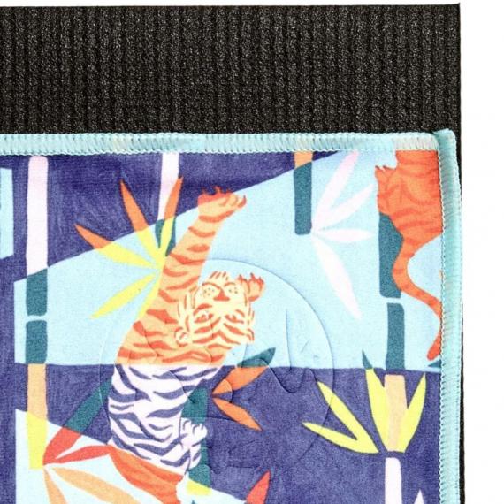Velký jógový ručník Manduka eQua® Mat Towel HD Bengal Light Blue - limitovaná edice