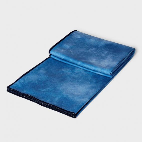 Velký jógový ručník Manduka eQua® Mat Towel Camo Blue Tie Dye