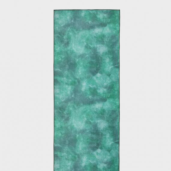 Velký jógový ručník Manduka eQua® Mat Towel Camo Green Tie Dye