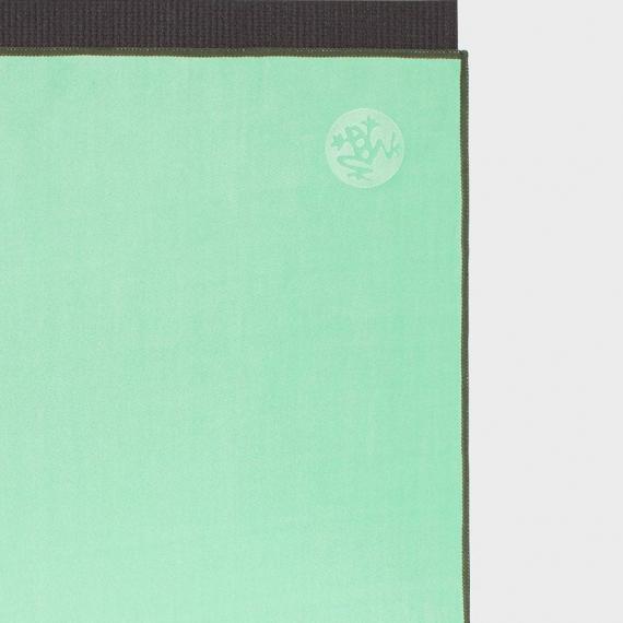 Velký jógový ručník Manduka eQua® Mat Towel Green Ash
