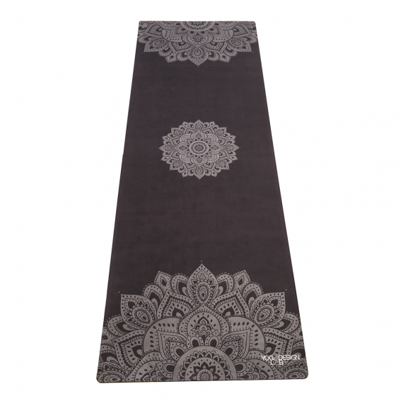 Cestovní designová jogamatka Yoga Design Lab Travel Mat 1 mm Mandala Black