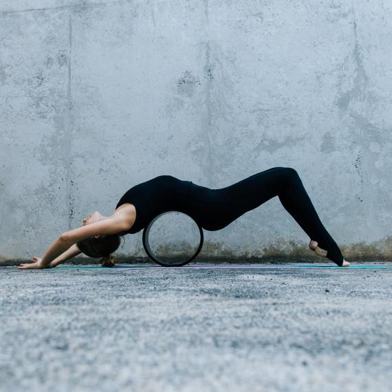 Kruh na jógu Yoga Design Lab Yoga Wheel Mandala Black