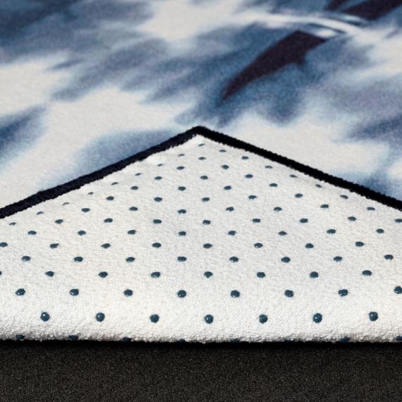 Velký ručník na jógu se silikononovými body Manduka yogitoes® Tie Dye Navy