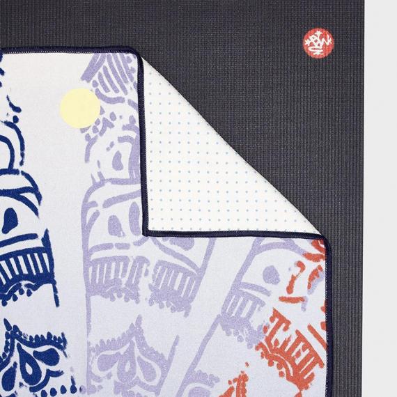 Velký ručník na jógu se silikononovými body Manduka yogitoes® Chakra Print Blue