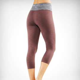 Manduka Essential Capri Legging Raisin