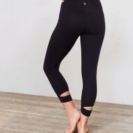 Manduka Cut Out Capri Legging Black