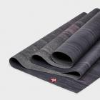 Cestovní jogamatka Manduka eKO SuperLite® Travel Mat Black Amethyst Marbled